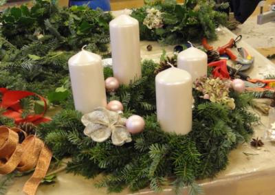 Freiwilligengruppe  Ökumenisches Adventskranzbinden Uetikon